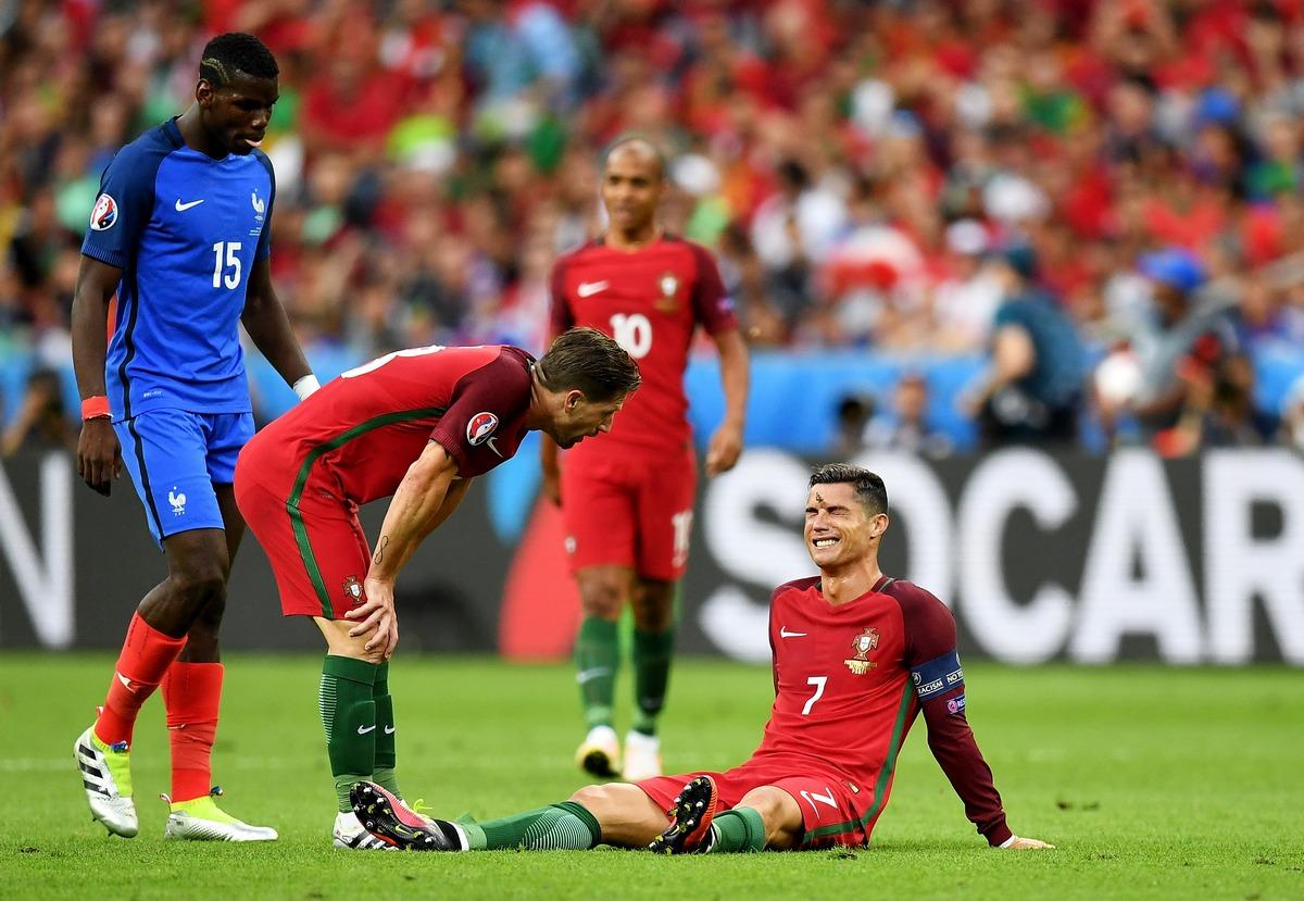 Contusioni, distorsioni, strappi: quali sono gli infortuni tipici del calcio?